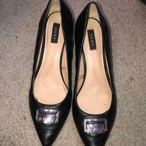 black dkny heels